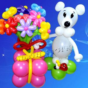 """Фигура из шаров """"Белый мишка с поздравлением"""""""
