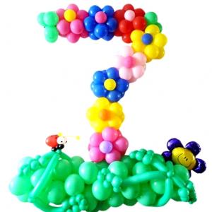 """Фигура из шаров """"Цифра 7 из цветочков"""""""