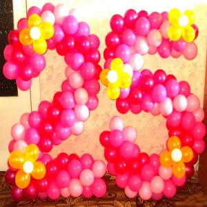 """Фигура из шаров """"Цифра с цветами"""""""