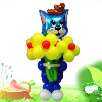 """Фигура из шаров """"Кот с большим букетом"""""""